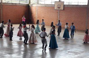 Invernada Juvenil Dia da Família na Escola
